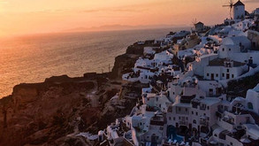 Santorini Travel Guide: Ballin' on a Budget