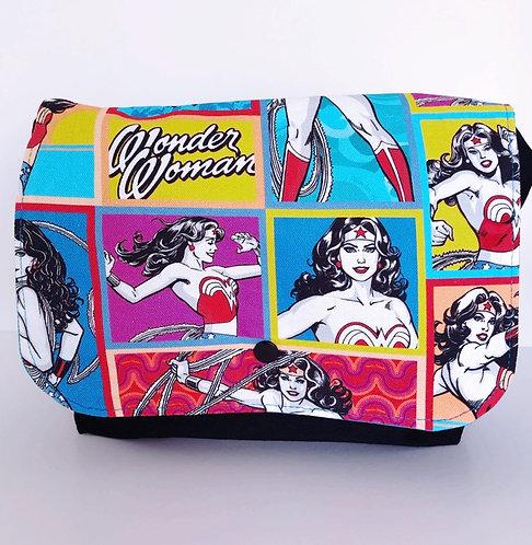 Messenger Handbag (with adjustable strap) Wonder Woman