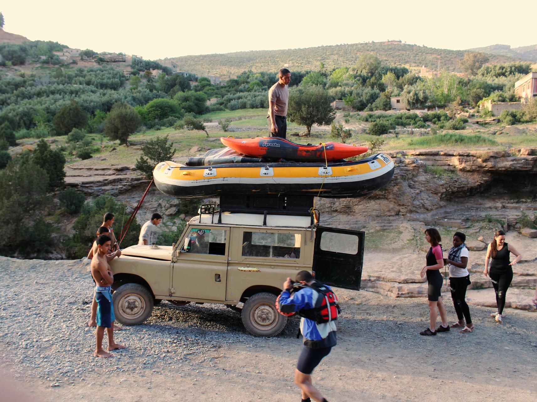 Ahansal river oued family trekking