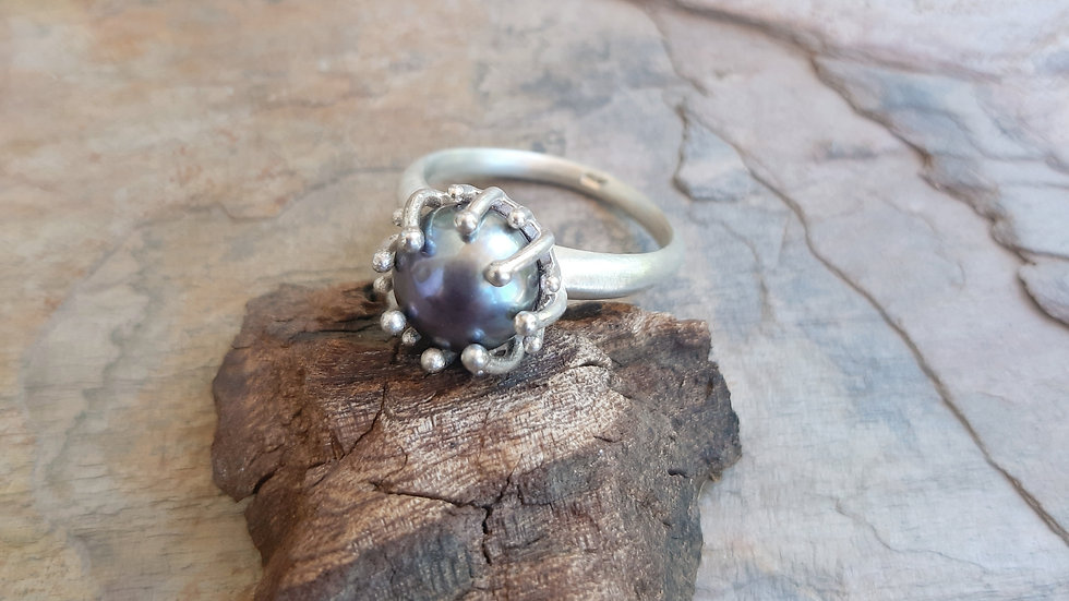 Dark purple/grey Pearl Ring in silver size K 1/2