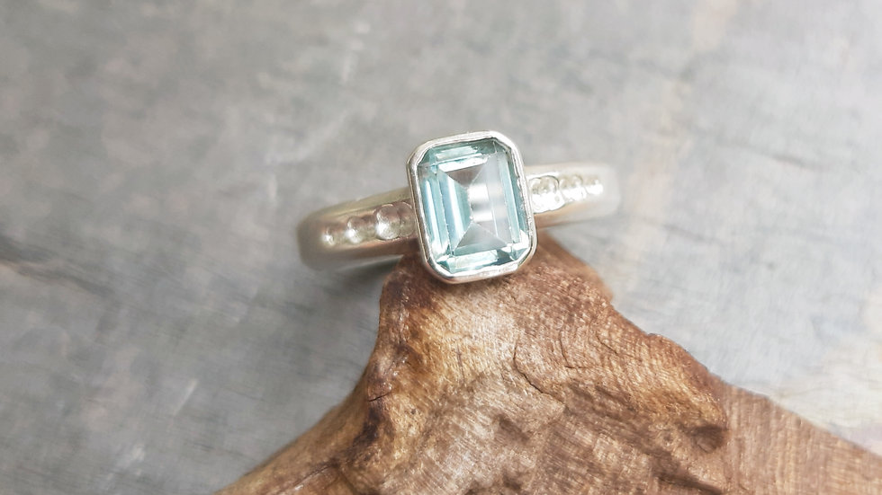 Beautiful light blue Topaz silver ring