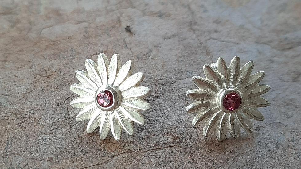 Wee pair of Daisy stud Earrings