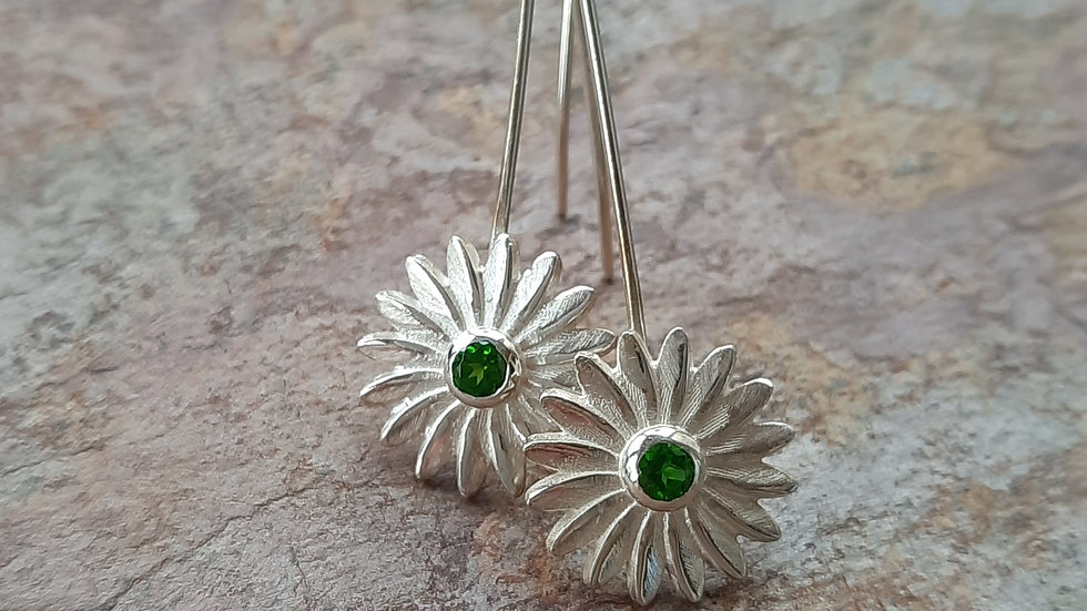 Beautiful natural Chrome Diopside Daisy Earrings