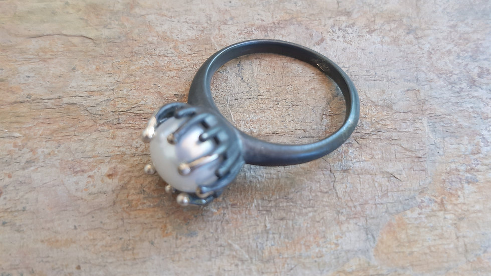 """Black oxidized Silver Pearl ring from the """"Sea anemone"""" collection"""