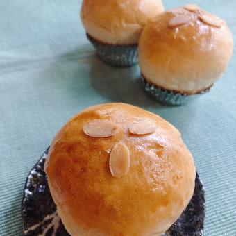 Roasted tea cream buns