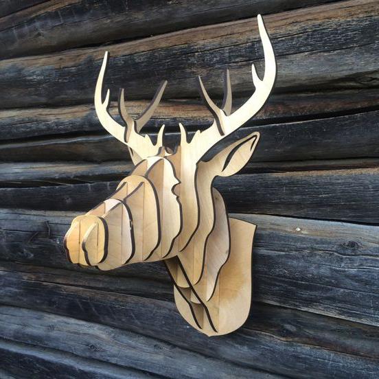 Голова животного из дерева