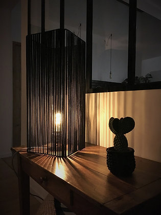 Lampe tube noir - Collection STRAIGHT