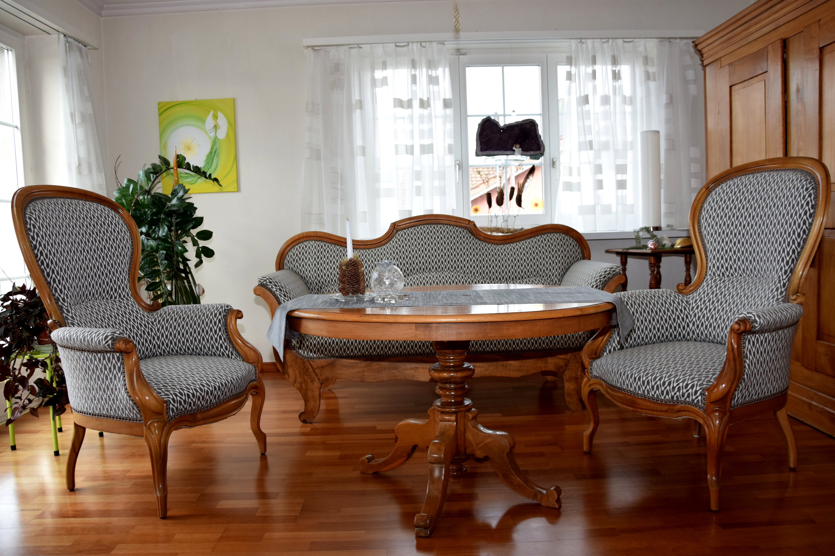 Sitzgruppe restauriert (R002)