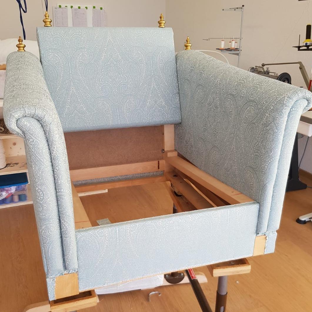 Sitzgruppe restauriert (R004)