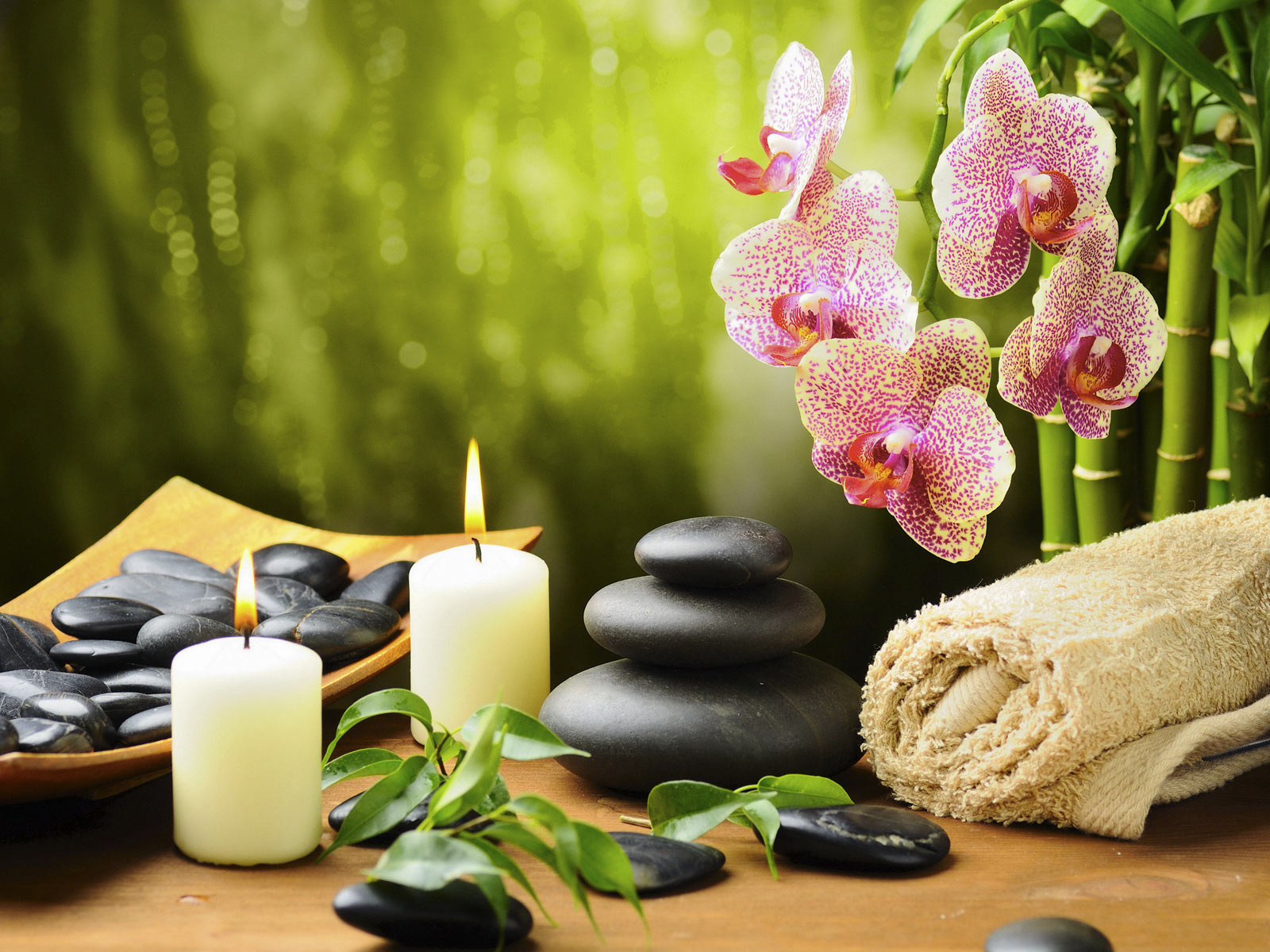 Canddles and stones