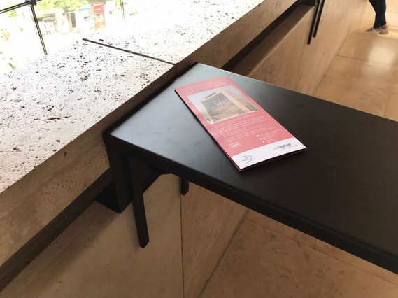 TRIFOLD   tray