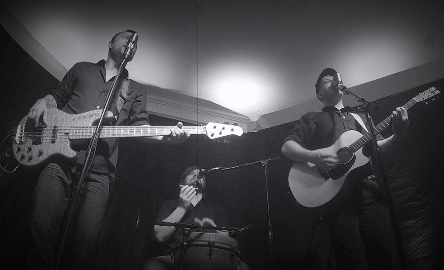 Houston trio band, Sofa Kingz are the Houston band fo parties