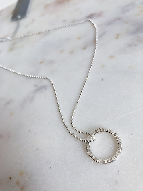Line Textured 'O' Pendant with Chain