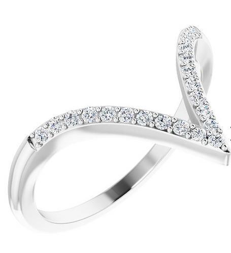 14k White Gold Diamond 'V' Ring