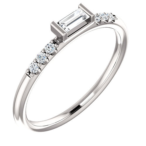 14k Gold Diamond Baguette Ring with Shoulder Accents