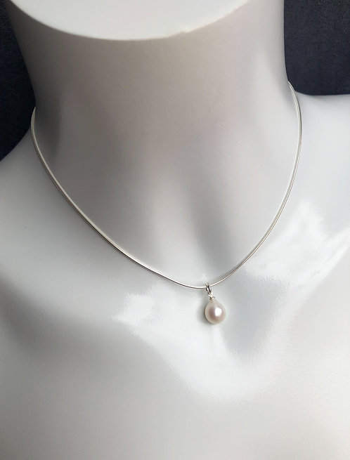 Pearl Drop Pendant with Chain