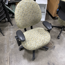 Steelcase Criterian 'Big & Tall' Task Chair Front