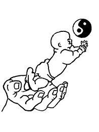 La Chine fait partie de ces pays qui ont privilégié le massage des bébés, des enfants. La médecine traditionnelle chinoise a une méthode de massage appropriée pour soulager certains troubles fréquents chez les bébés: énurésie, asthme, diarrhée, insomnie...