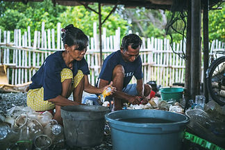 Cleaning-collected-plastic-01-web-2500px