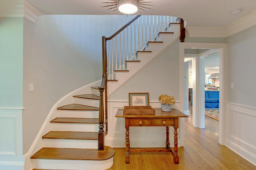 Transitional Front Entry/Staircase