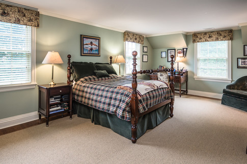 Bedroom - Traditional Georgian Colonial