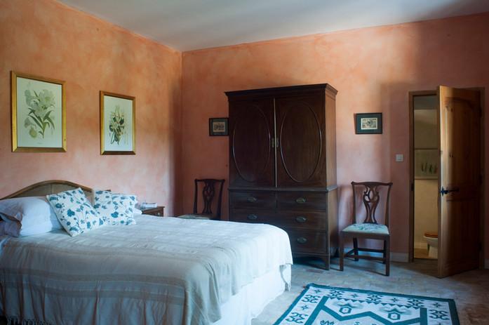 Pink_double_bedroom_2.jpg