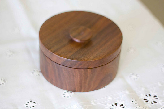 walnut box_5664725495_m.jpg