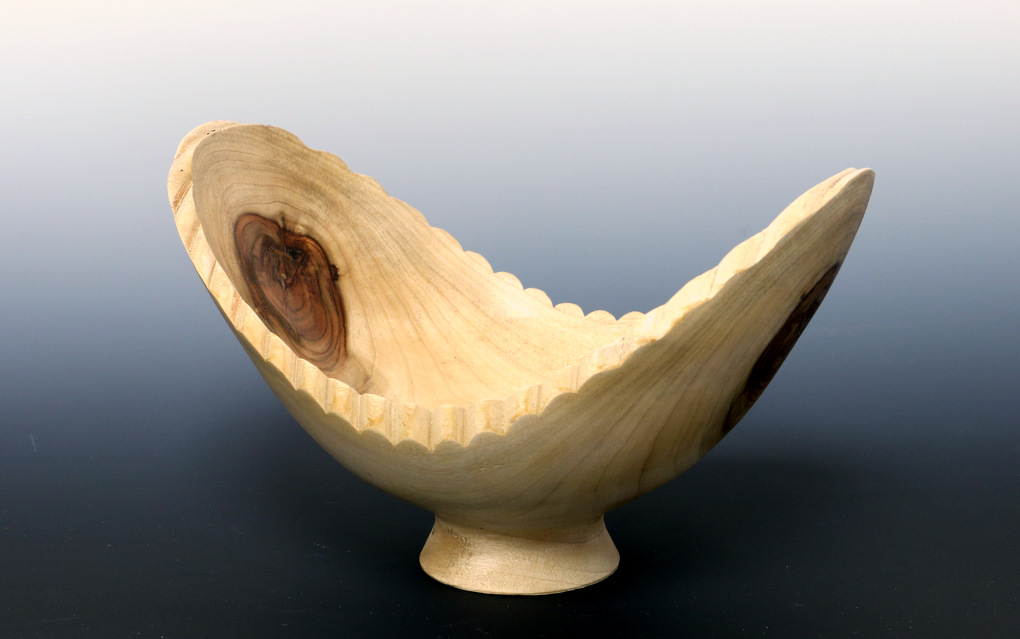 Double turned edge bowl