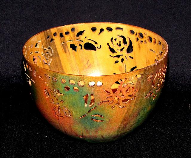 rose bowl - pierced_5515237167_m.jpg