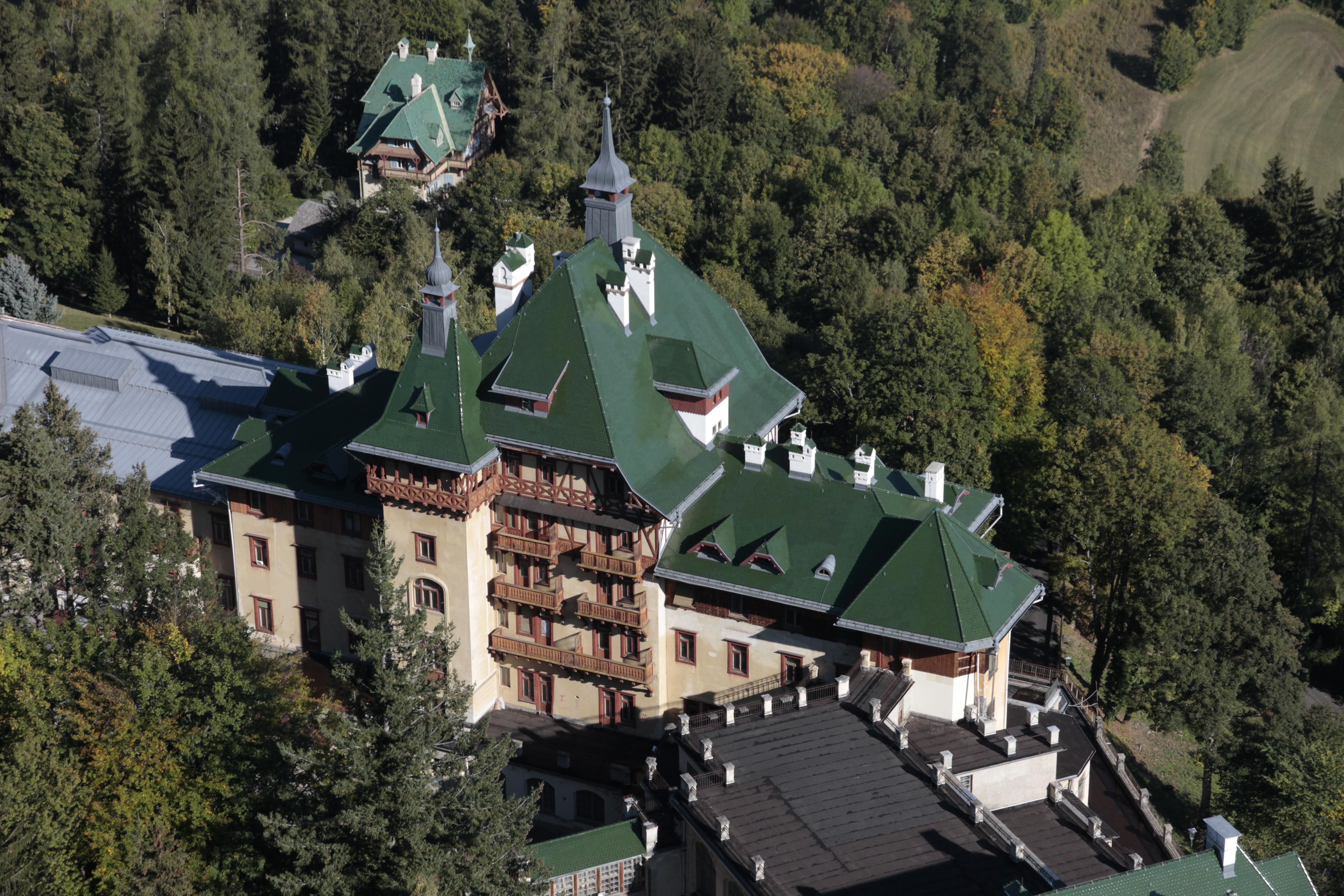 SBH Dachimpressionen I_Hintergrund Attersee Villa