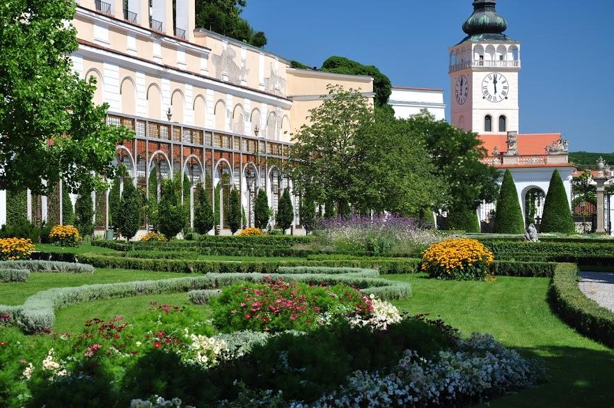 Nikolsburg Schloss