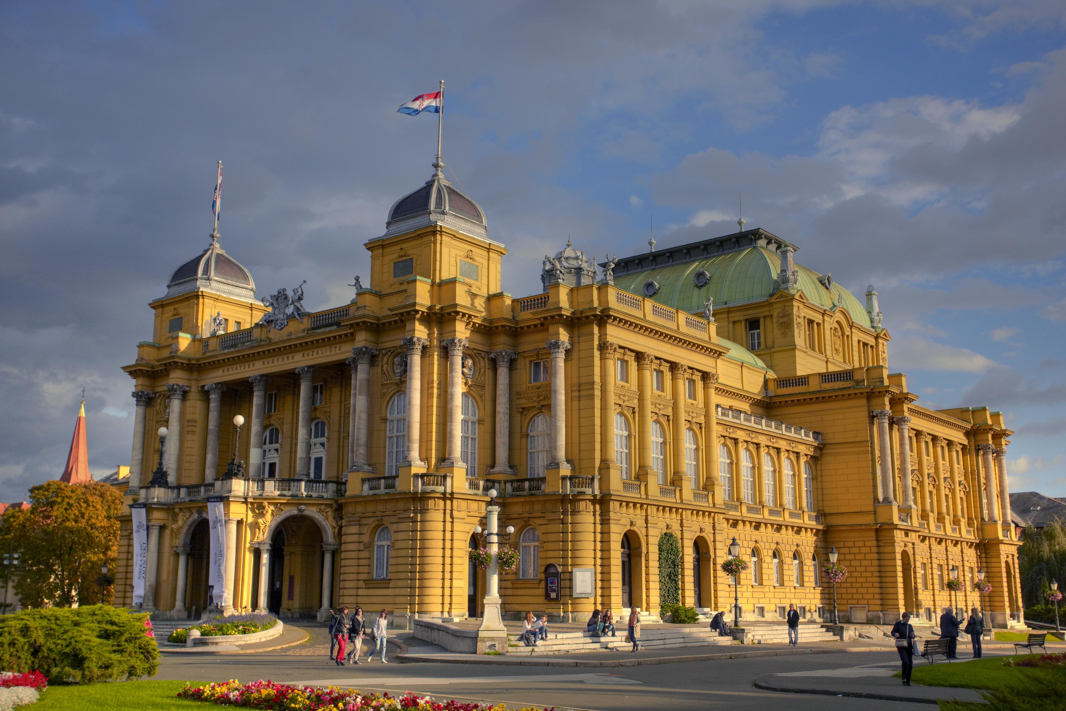 kroatische-nationaltheater-zagreb-optimiert-fuer-den-druck-marko-vrdoljak