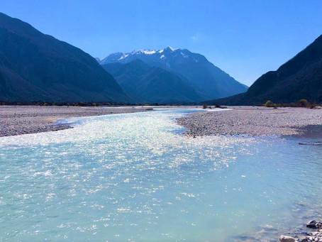 Über die Flüsse zum Staunen kommen