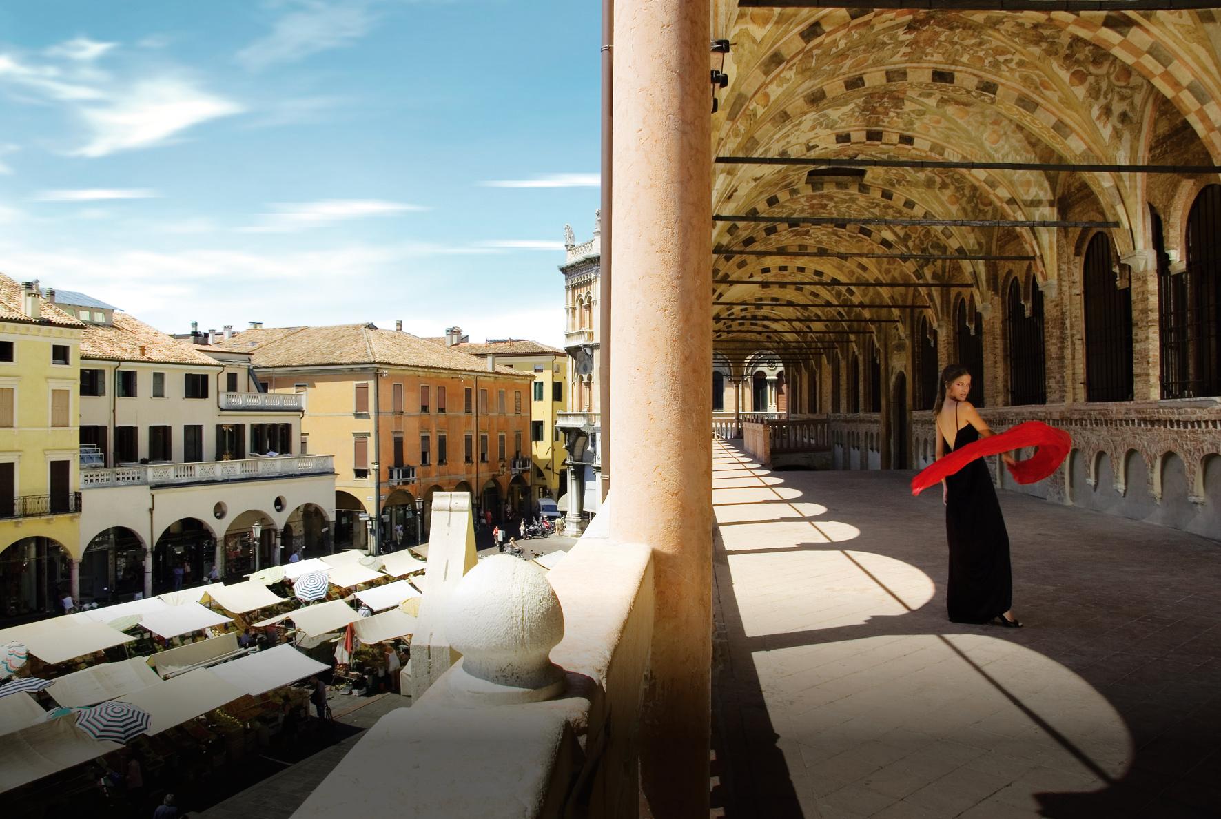 15 Palazzo Ragione - loggia