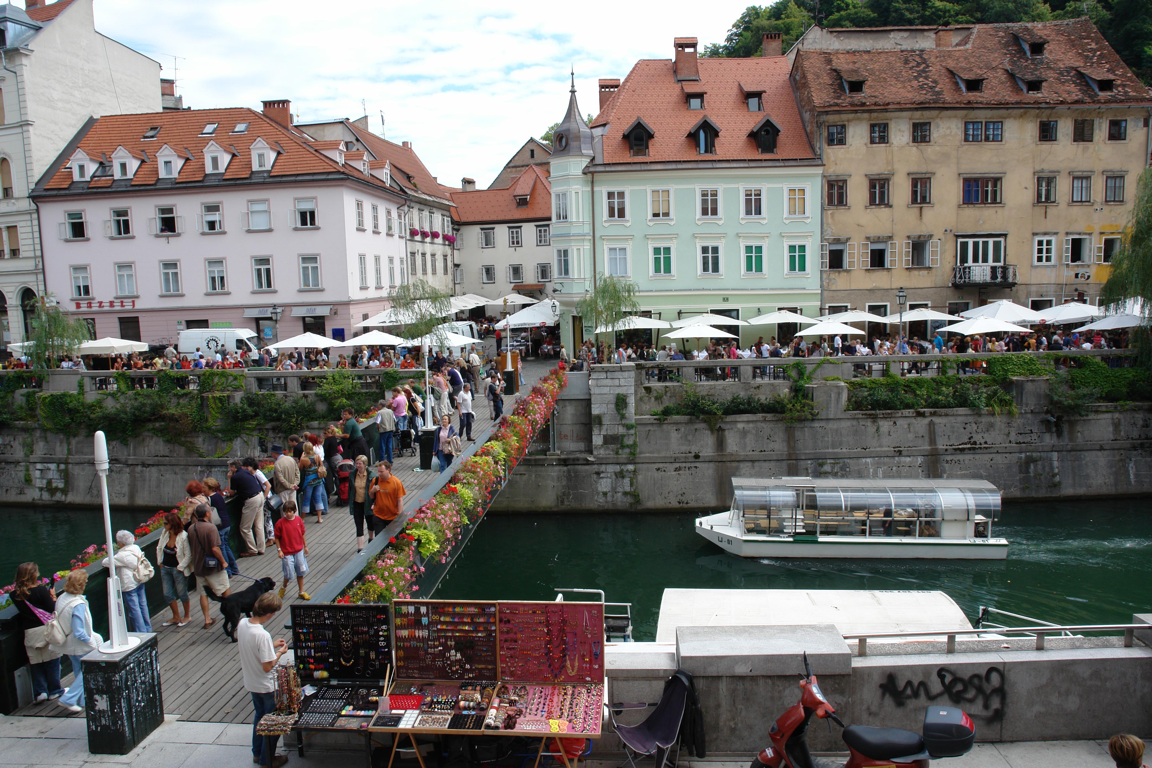 F000758-view_of_the_ljubljanica_riverbanks_b_kladnik_2646_orig_jpg-photo-l
