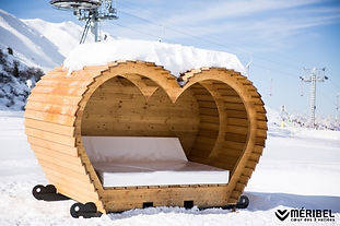 Meribel Wooden bed heart