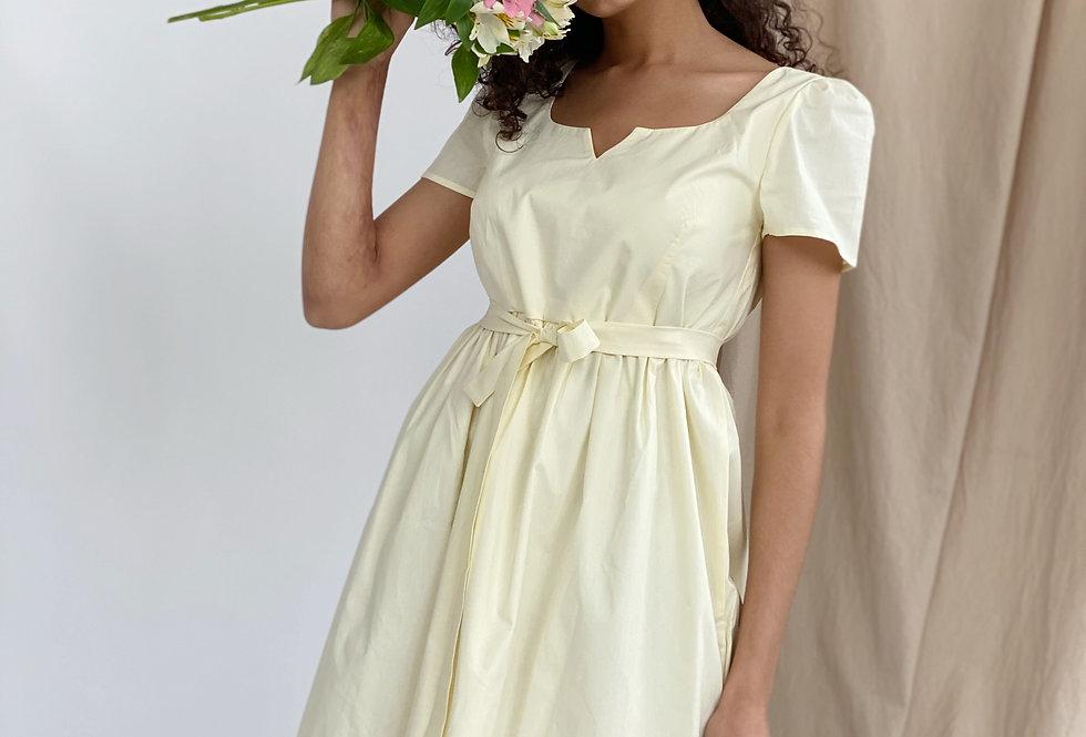 Платье из х/б поплина на подкладе с очень красивым вырезом лимон