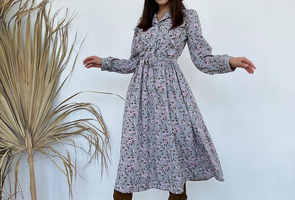Платье софт с воланом серое