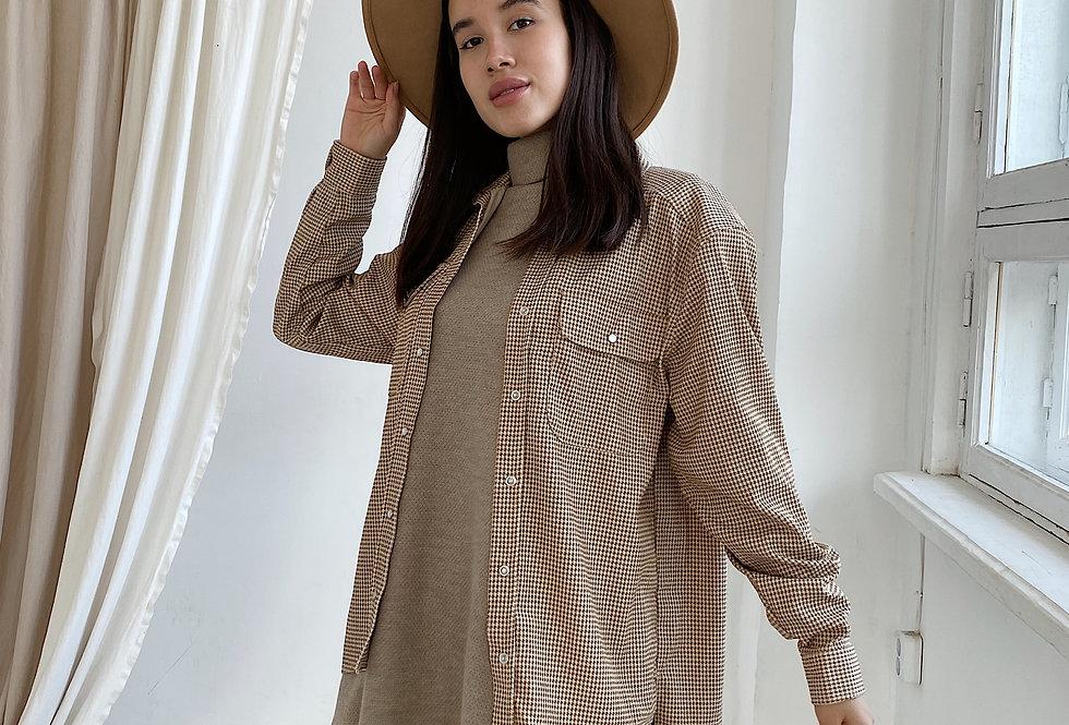 Рубашка из микровельвета бежевая