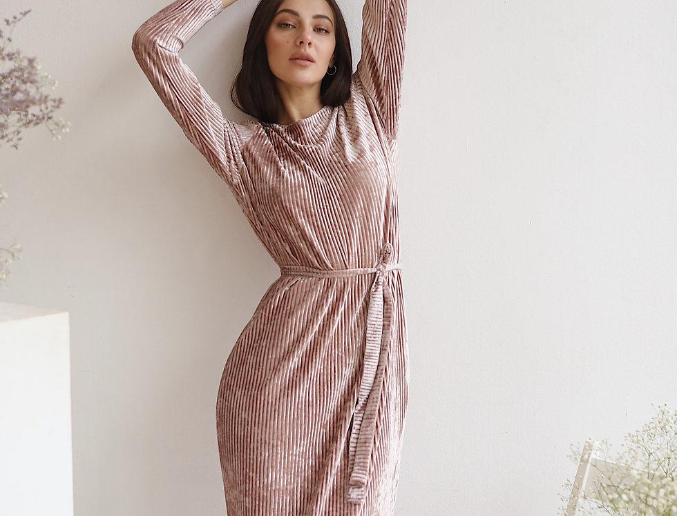 Платье велюровое розовое