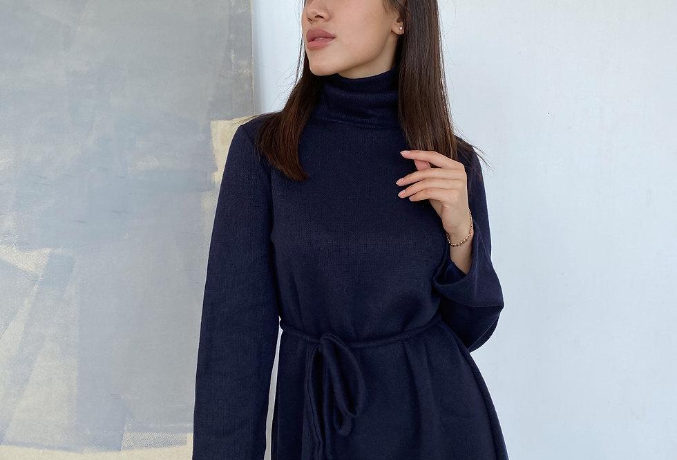 Платье Вязка со свободными рукавами темно-синее