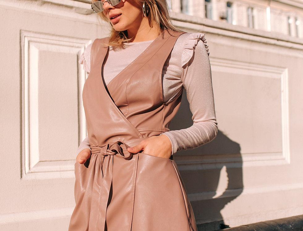 Сарафан кожаный и блуза крылышки