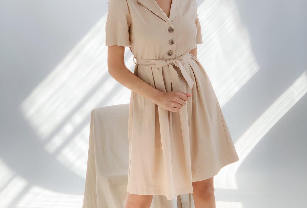 Платье пышный рукав на пуговицах беж