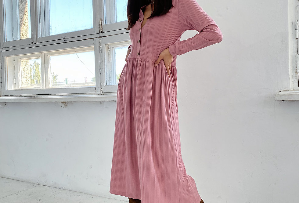 Платье из плотного трикотажа резинки розовое