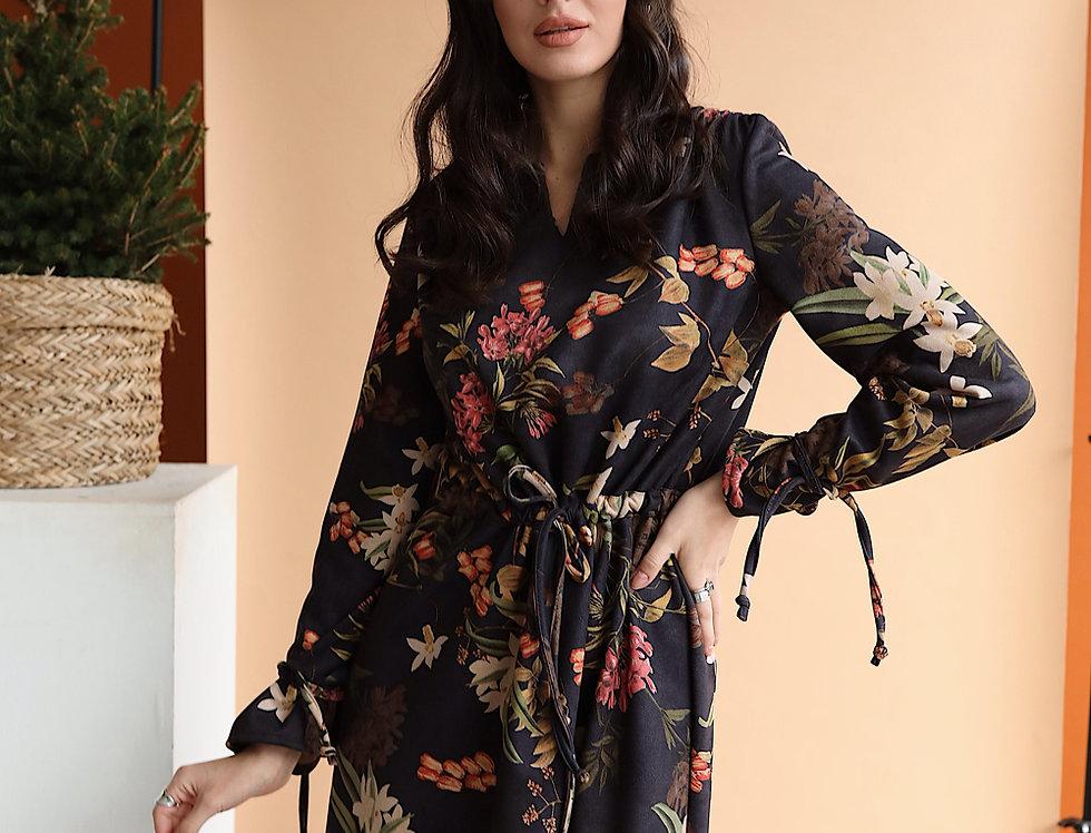 Замшевое платье в цветочный принт черное