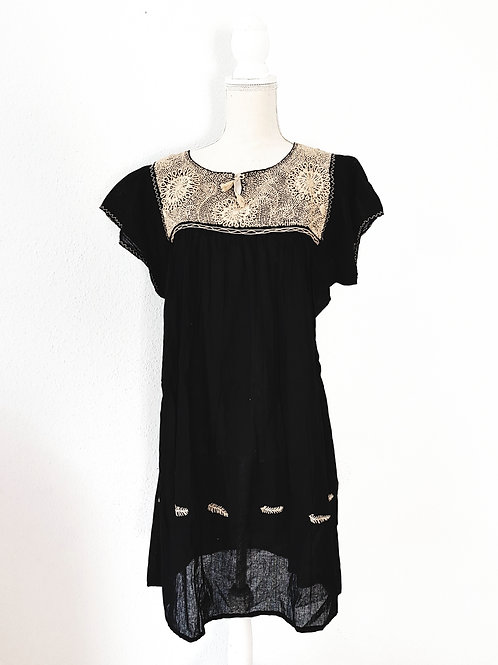 L-XL/ French Knot black embroidered dres