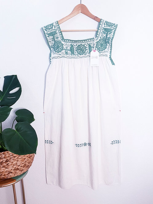 "M-L/ Embroidered Boho Dress ""Aguacatenango"