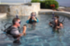 Scuba classes in the pool