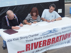 Boat Racing Contracts Signed
