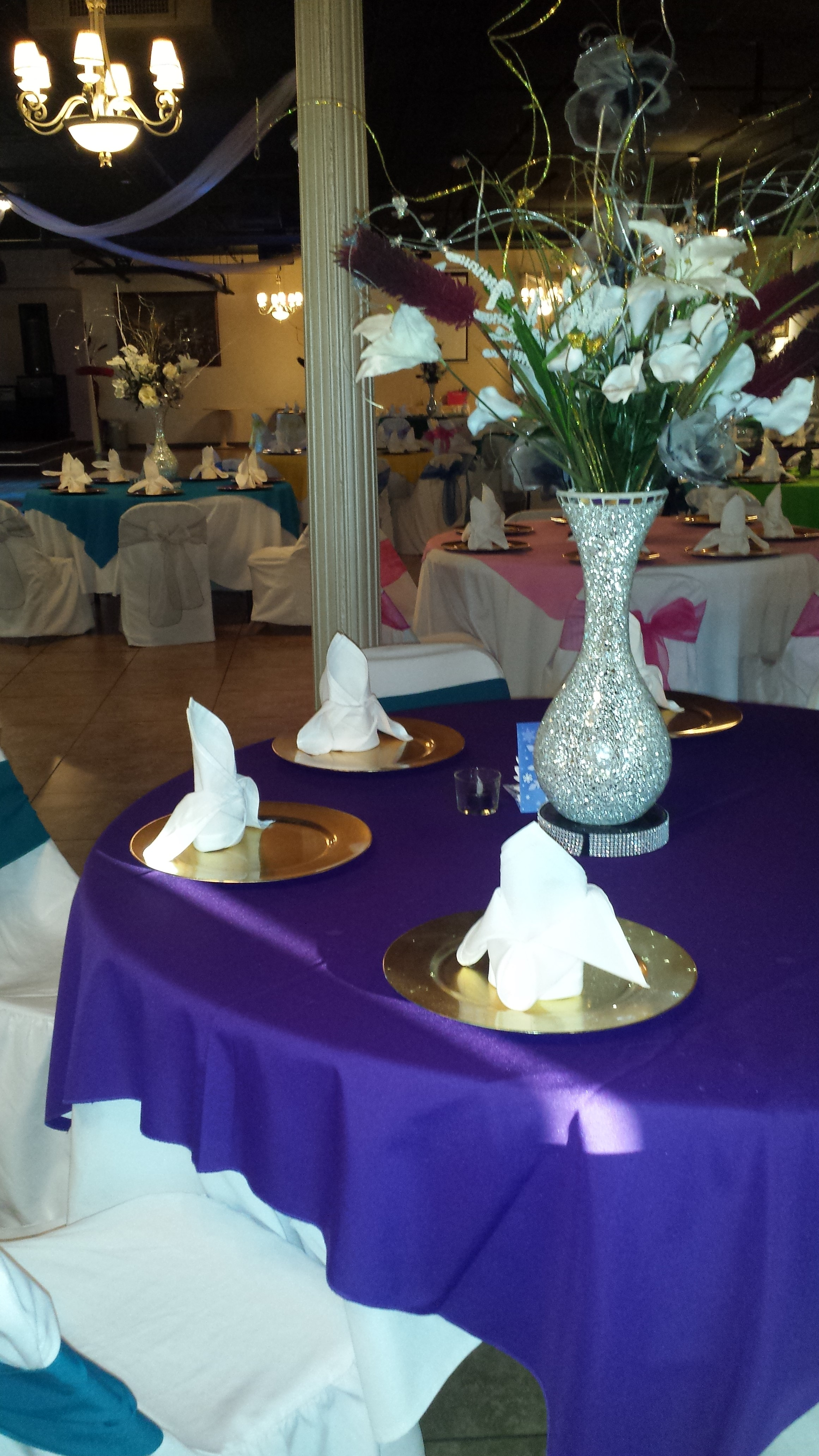 Purple table linens look great!